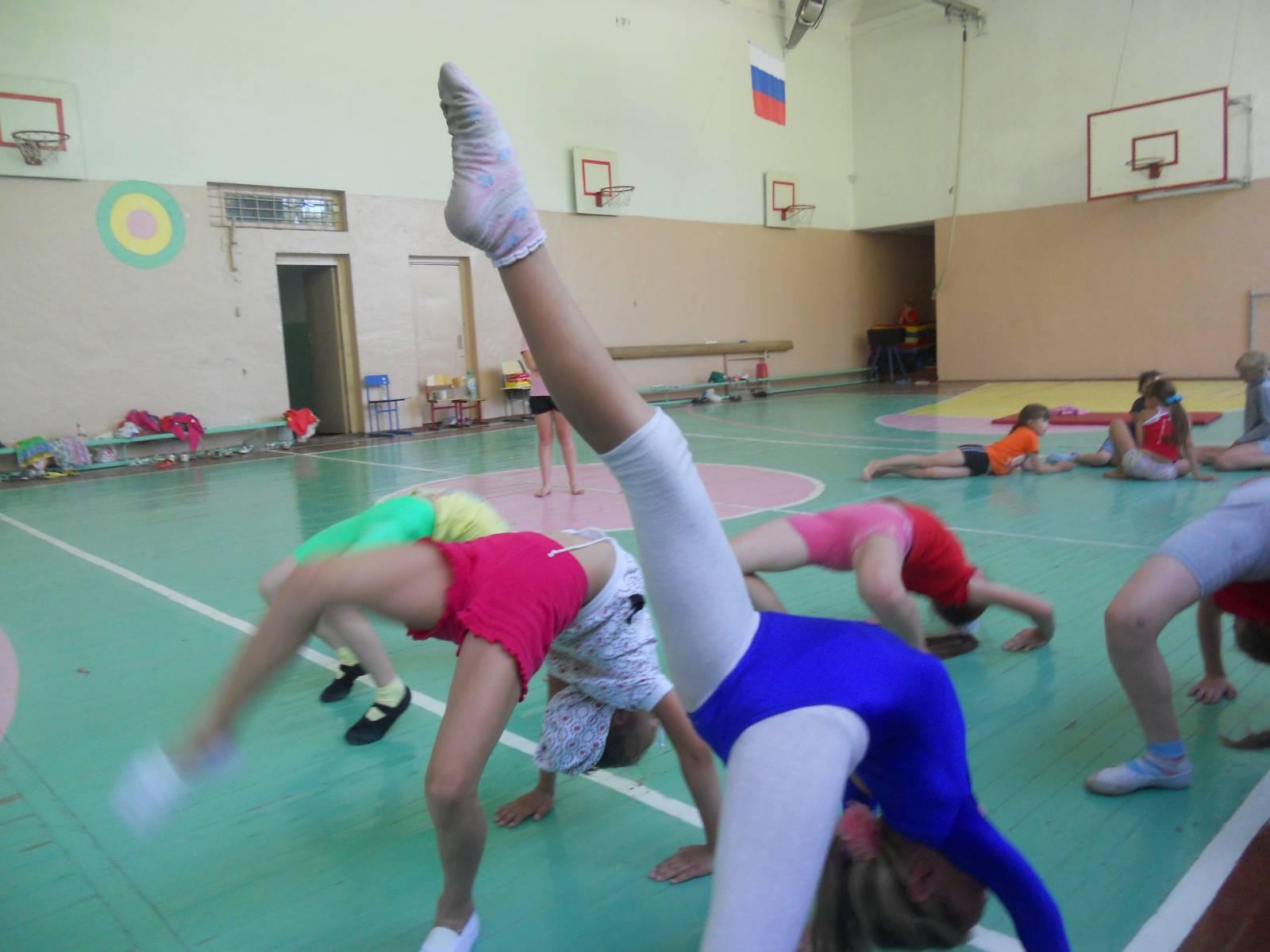Фотографии юные гимнастки фото 18 фотография